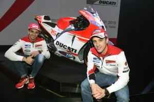 7-Ducati_MotoGP_Team_2015_Presentation_10
