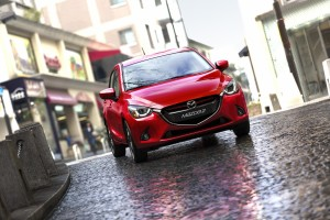 Mazda2_2014_action_5__jpg300
