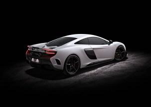 McLaren 675LT_studio_04