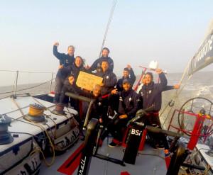 Maserati VOR70_Giovanni Soldini e l'equipaggio partiti da San Francisco arrivano a Shanghai col tempo record di_21 giorni_19 ore_32 minuti_54 secondi
