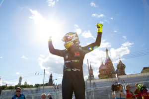 Nelson Piquet extended his title lead with victory in the Formula E Moscow ePrix