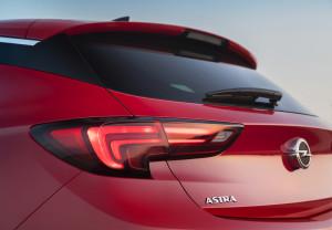 Opel-Astra-295892