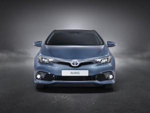 toyota-new-auris-more-style-and-new-engines-auris_stu_03_dpl_2015_full_front