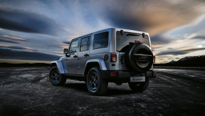 150224_Jeep_Wrangler-Black-Edition_02
