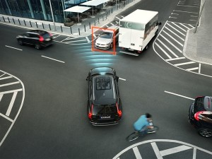 150224_The_all_new_Volvo_XC90_City_Safety_Intersection