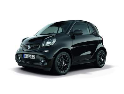 beauty shots: smart fortwo prime, 3/4 front, with sports package and LED & sensor package, interior black bodypanels: black tridion: black radiator grille: black rims: R95 copyright: full buyout