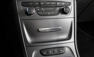 Opel-Astra-AirWellness-Aromasystem-298348