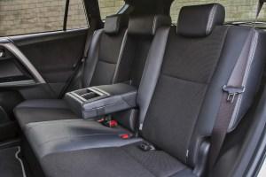 Toyota Rav4 Hybrid Interior LQ  (7)