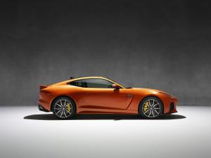 177395_Jag_FTYPE_SVR_Coupe_Studio_170216_40_(126544)