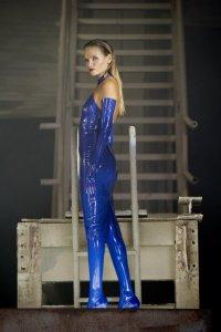 Mercedes-Benz_Autumn_Winter_2016_Fashion_Campaign_(8)