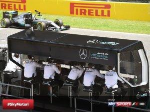 F1 murretto pitwall