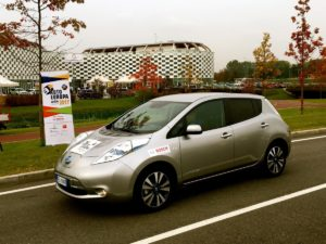 "A NISSAN LEAF il premio ""GREEN GOLD AWARD 2017"""