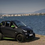 500_smart-fortwo-cabrio-electric-drive-black-greenflash5