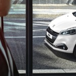 Peugeot 208 Black Line (4)_1