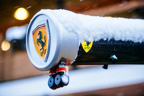 ferrari barcellona neve