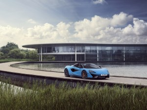 Small-9100-McLarenAutomotive15000thcar-570SSpider