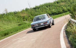 P90322313_highRes_bmw-3-0-csl-72-at-th
