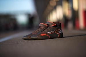 mclaren_rb-8_racing_shoes