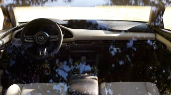 25_All-New-Mazda3_SDN_INT