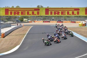 worldsbk-race-1-action-2