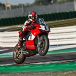 03_Panigale V4 25_ Anniversario 916_action_UC77820_High