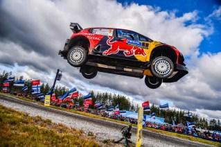 La Citroe¦ên C3 WRC dell'equipaggio finlandese conquista il secondo posto al Rally di Finlandia (2)