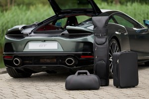 Large-11261-Bespoke-luxury-and-McLaren-design-DNA-ensure-an-elegant-case-for-every-pursuit—McLaren-GT—set-of-luggage-