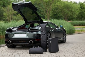 Small-11254-McLaren-GT-set-of-luggage