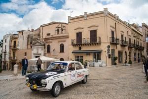 PEUGEOT 204 alla TARGA FLORIO CLASSICA 2019 (2)