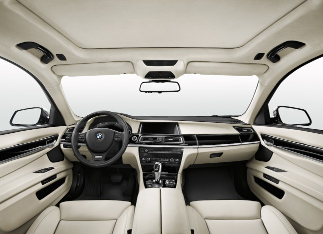 © BMW / BMW 730d Edition Exclusive, Interieur, BMW Individual Leder Merino Platin. (05/2014)