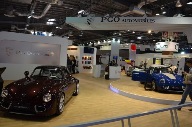 © MotorNews kw_Pariser Automobilsalon 2014 / Messestand PGO
