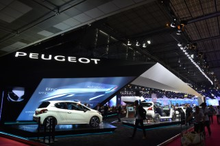© MotorNews kw_Pariser Automobilsalon 2014 / Messestand Peugeot