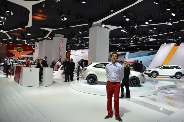 © MotorNews kw_Pariser Automobilsalon 2014 / Seat Messestand