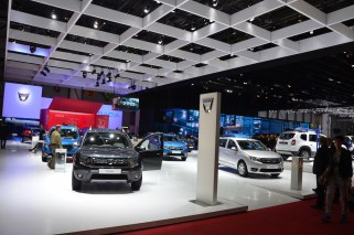 © MotorNews kw / 85. Auto-Salon Genf 2015 / Dacia Messestand