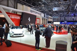 © MotorNews kw / 85. Auto-Salon Genf 2015 / Ferrari Messestand