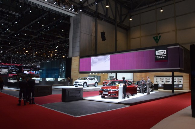 © MotorNews kw / 85. Auto-Salon Genf 2015 / Qoros Messestand