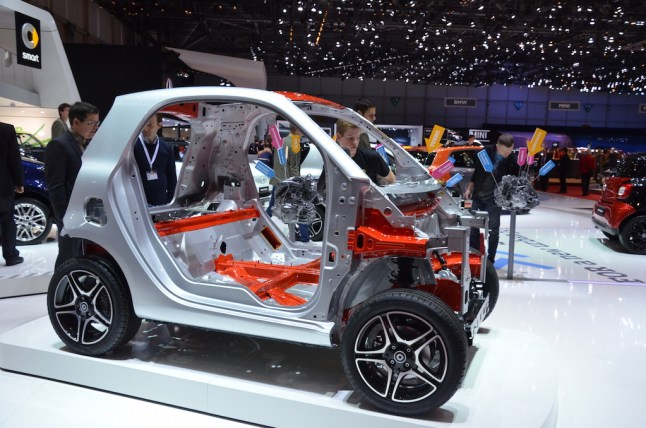 © MotorNews kw / 85. Auto-Salon Genf 2015 / smart tridion Sicherheitszelle