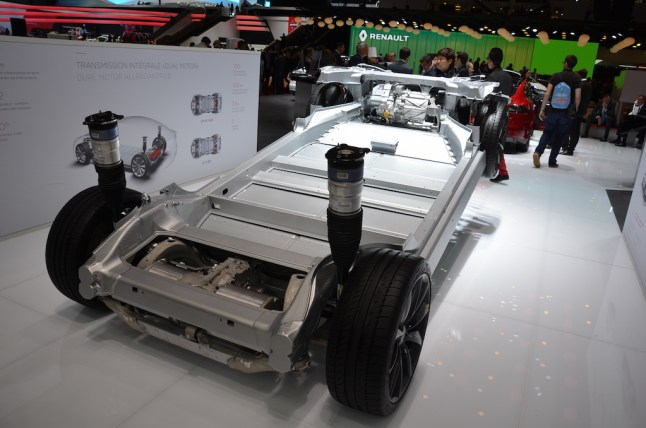© MotorNews kw / 85. Auto-Salon Genf 2015 / Tesla Model S Dual-Motor