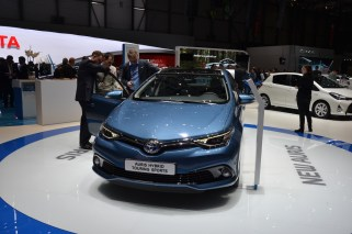 © MotorNews kw / 85. Auto-Salon Genf 2015 / Toyota Auris Hybrid Touring Sports