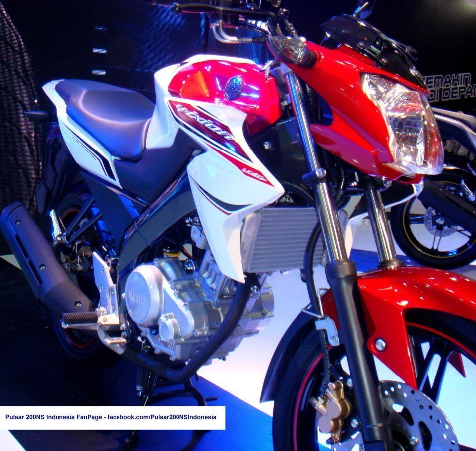 Yamaha unveils 2013 Vixion or the cut price R15 at Jakarta – images on