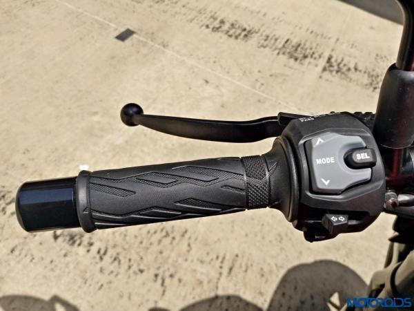 Suzuki GSX S750 Review (38)