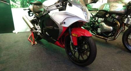 Expensive Korean: Hyosung GT 250 R Launched In India At INR 3.38 Lakh!
