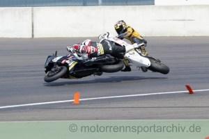 Thomas Müller fuhr dahin wo Kevin Rofner schon war und holte ihn vom Bike im Yamaha-Cup