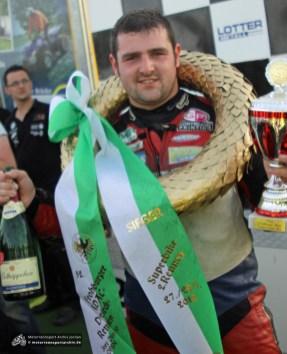 Michael Dunlop gewann das große Finale der OPEN-Klasse und sicherte sich in 1:34,335 den neuen Rundenrekord.
