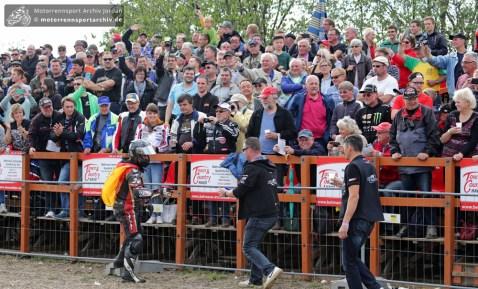Didier Grams feierte seinen Sieg im OPEN-Rennen mit den Fans