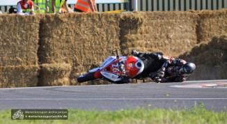 Didier Grams klappte im ersten IRRC-Lauf das Vorderrad ein...