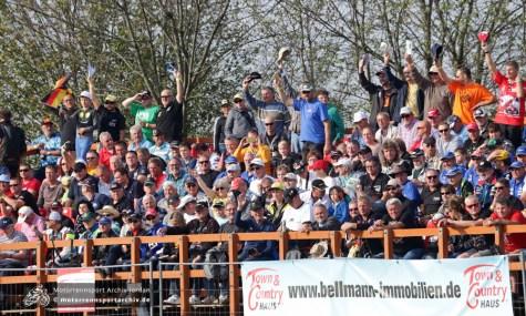 Die Zuschauer waren begeistert von den spannenden Rennen auf dem Dreieck.