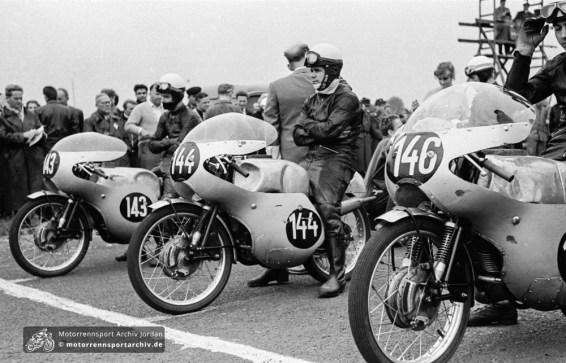 Staaken 1960: Fischer, Musiol und Degner vor dem Rennen (v.r.)
