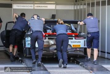 Der Porsche von Timo Bernhard und Kevin Estre soll im Zeittraining nicht reglementskonform unterwegs gewesen sein. Der Sieg der Porsche-Mannschaft bleibt deshalb vorläufig.