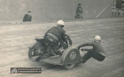 BMW-Seitenwagen am Sachsenring 1950